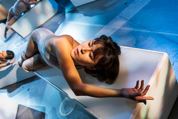 Sunbee Han in Contagion.© Foteini Christofilopoulou. (Click image for larger version)