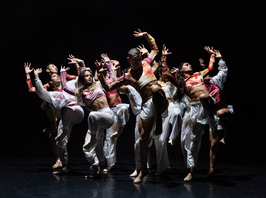 Rambert2 in <I>Grey Matter</I> by Benoit Swan Pouffer.<br />© Foteini Christofilopoulou. (Click image for larger version)