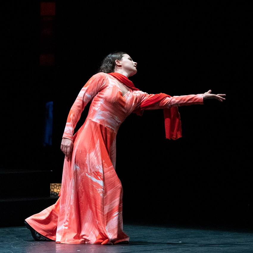 Nicole Sabella in <i>Layla and Majnun</i>.<br />© Foteini Christofilopoulou. (Click image for larger version)