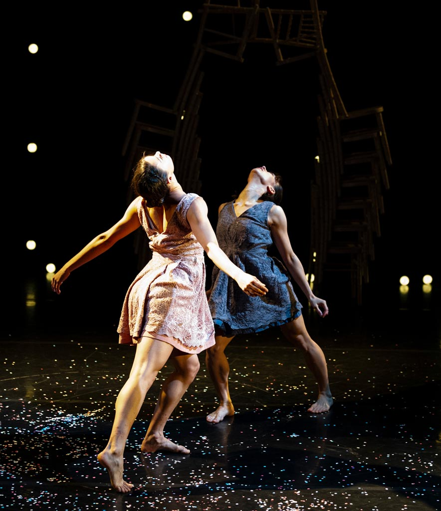 Sara Harton and Mai Lisa Guinoo in <I>The Knot</I>.<br />© Foteini Christofilopoulou. (Click image for larger version)