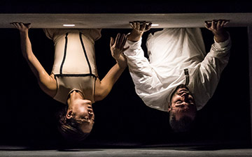 Sébastien Ramirez and Honji Wang in Dystopian Dream.© Johan Persson. (Click image for larger version)