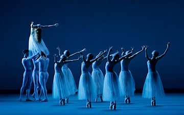 Miami City Ballet in Serenade.© Paul Kolnik. (Click image for larger version)