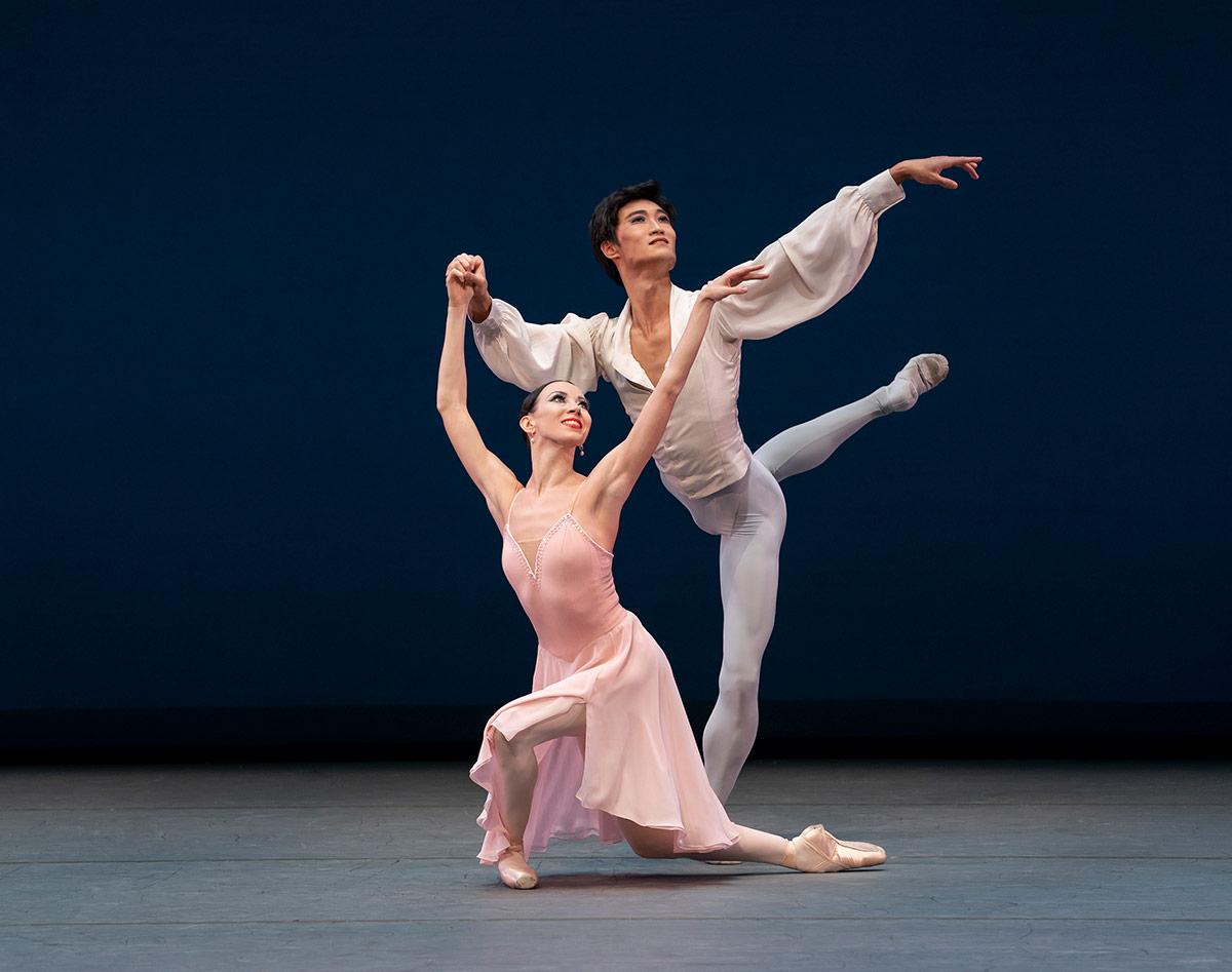 Viktoria Tereshkina and Kimin Kim in <I>Tchaikovsky Pas de Deux</I>.<br />© Paul Kolnik. (Click image for larger version)