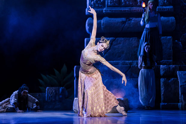 Polina Semionova in <I>La Bayadère</I>.<br />© Yan Revazov. (Click image for larger version)