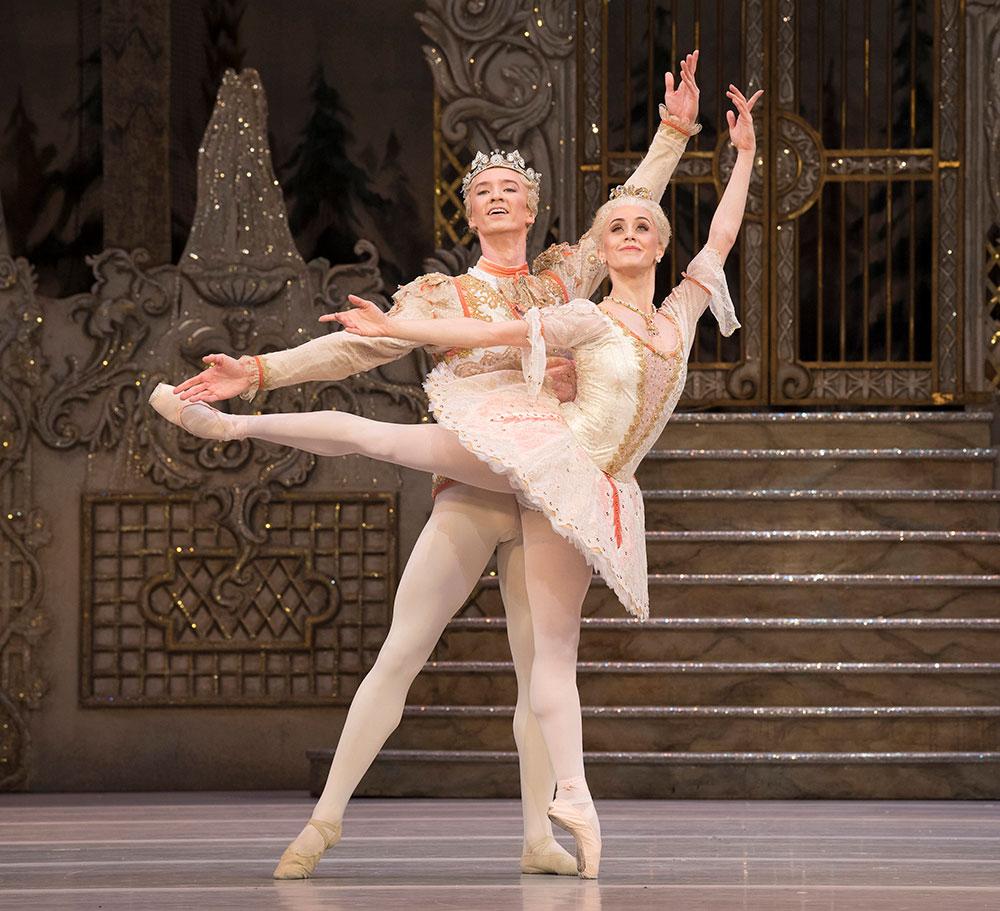 Marianela Nunez and Vadim Muntagirov in The Nutcracker.© Alastair Muir, courtesy the Royal Opera House. (Click image for larger version)