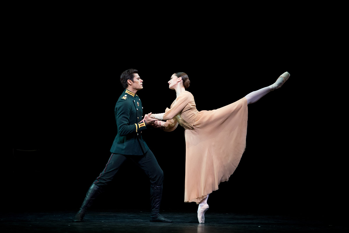 Marianela Nunez and Thiago Soares in Winter Dreams.© Alice Pennefather, courtesy the Royal Opera House. (Click image for larger version)