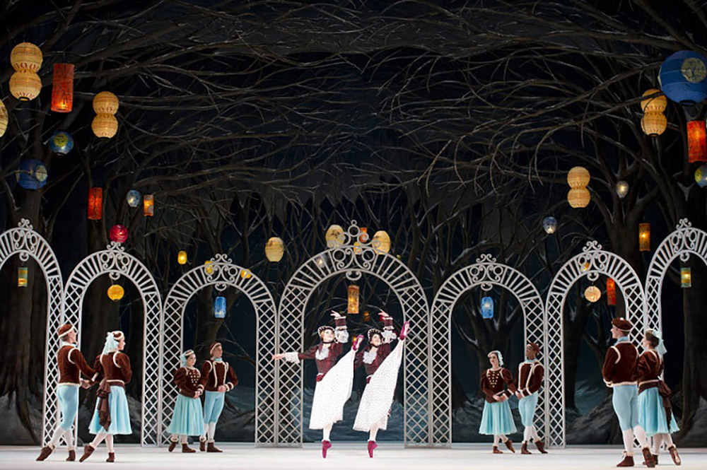 The Royal Ballet in <I>Les Patineurs</I>.<br />© Bill Cooper, courtesy the Royal Opera House. (Click image for larger version)