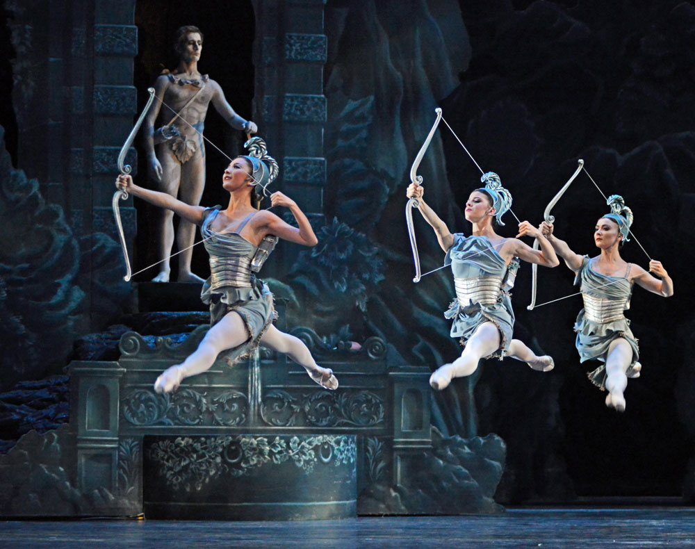 The Royal Ballet in Sylvia (in 2017).© Dave Morgan, courtesy the Royal Opera House. (Click image for larger version)