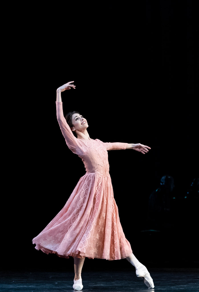 Yasmine Naghdi in <I>Winter Dreams</I>.<br />© Foteini Christofilopoulou, courtesy the Royal Opera House. (Click image for larger version)