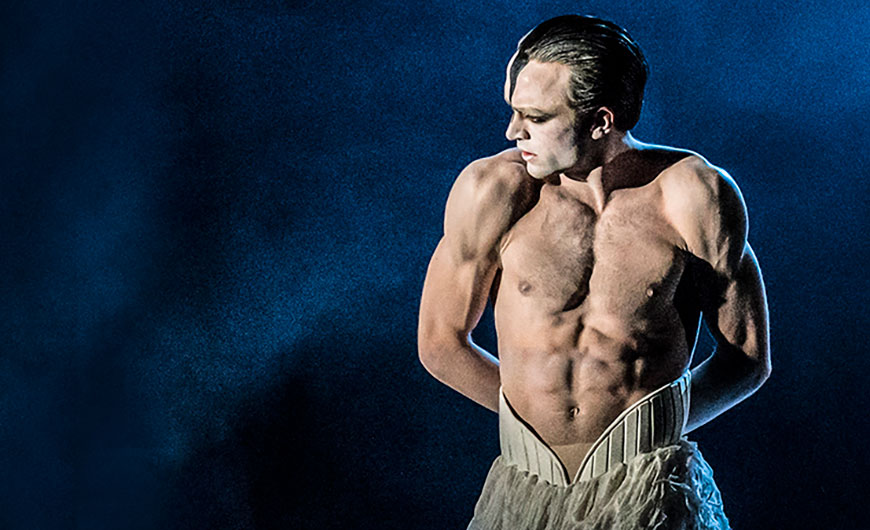 Matthew Ball in Swan Lake.© Johan Persson. (Click image for larger version)