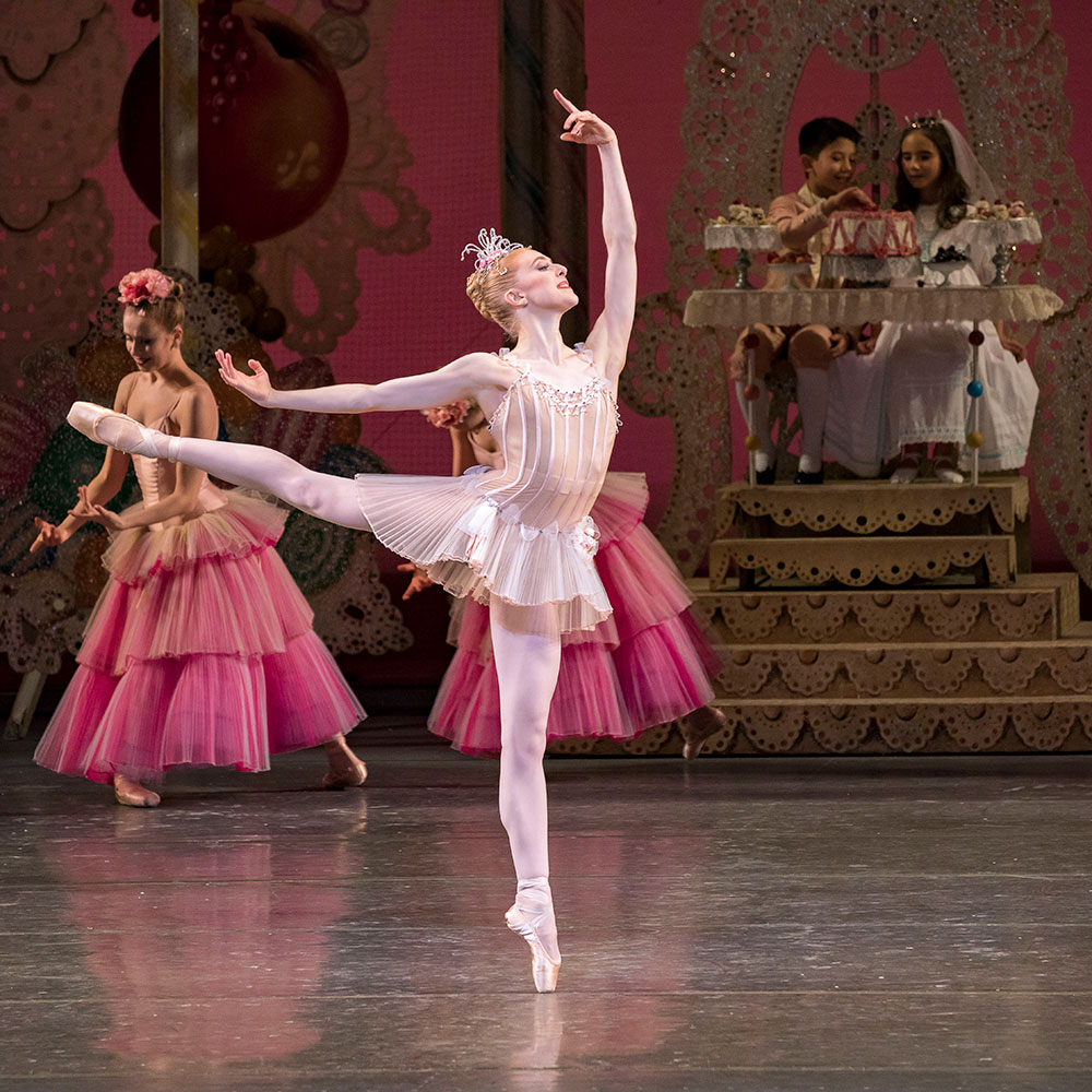 Claire Kretzschmar in George Balanchine's The Nutcracker.© Paul Kolnik. (Click image for larger version)