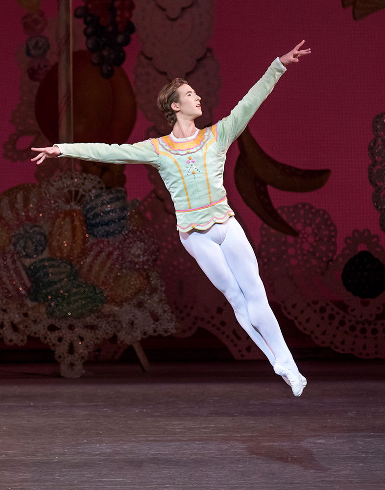 Joseph Gordon in George Balanchine's The Nutcracker.© Paul Kolnik. (Click image for larger version)