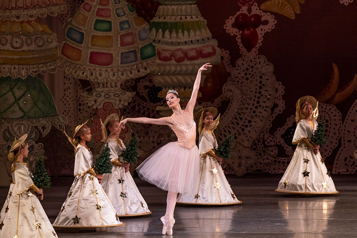 Unity Phelan in George Balanchine's The Nutcracker.© Paul Kolnik. (Click image for larger version)
