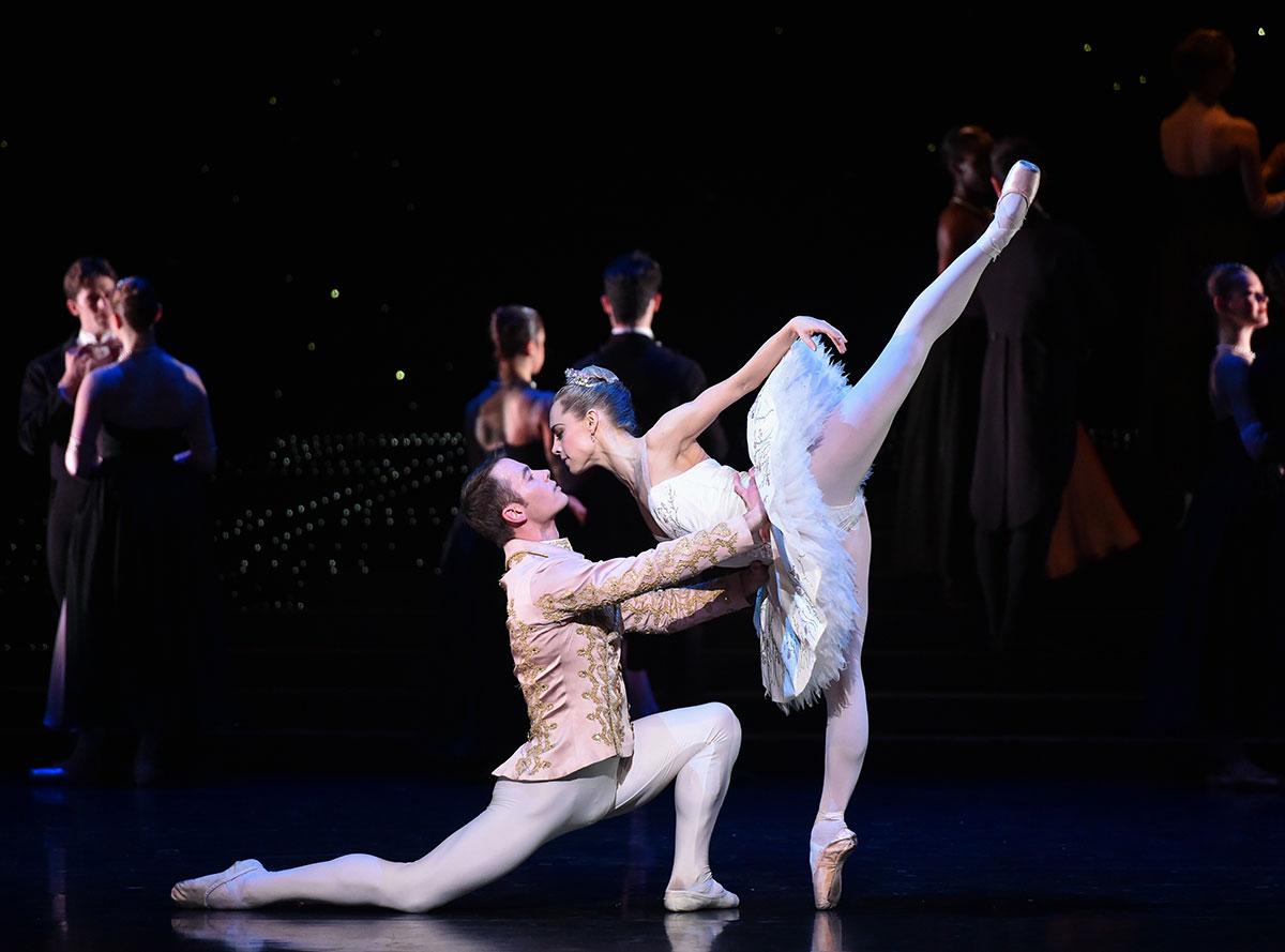 Bethany Kingsley-Garner and Christopher Harrison in <I>Cinderella</I>.<br />© Rimbaud Patron. (Click image for larger version)