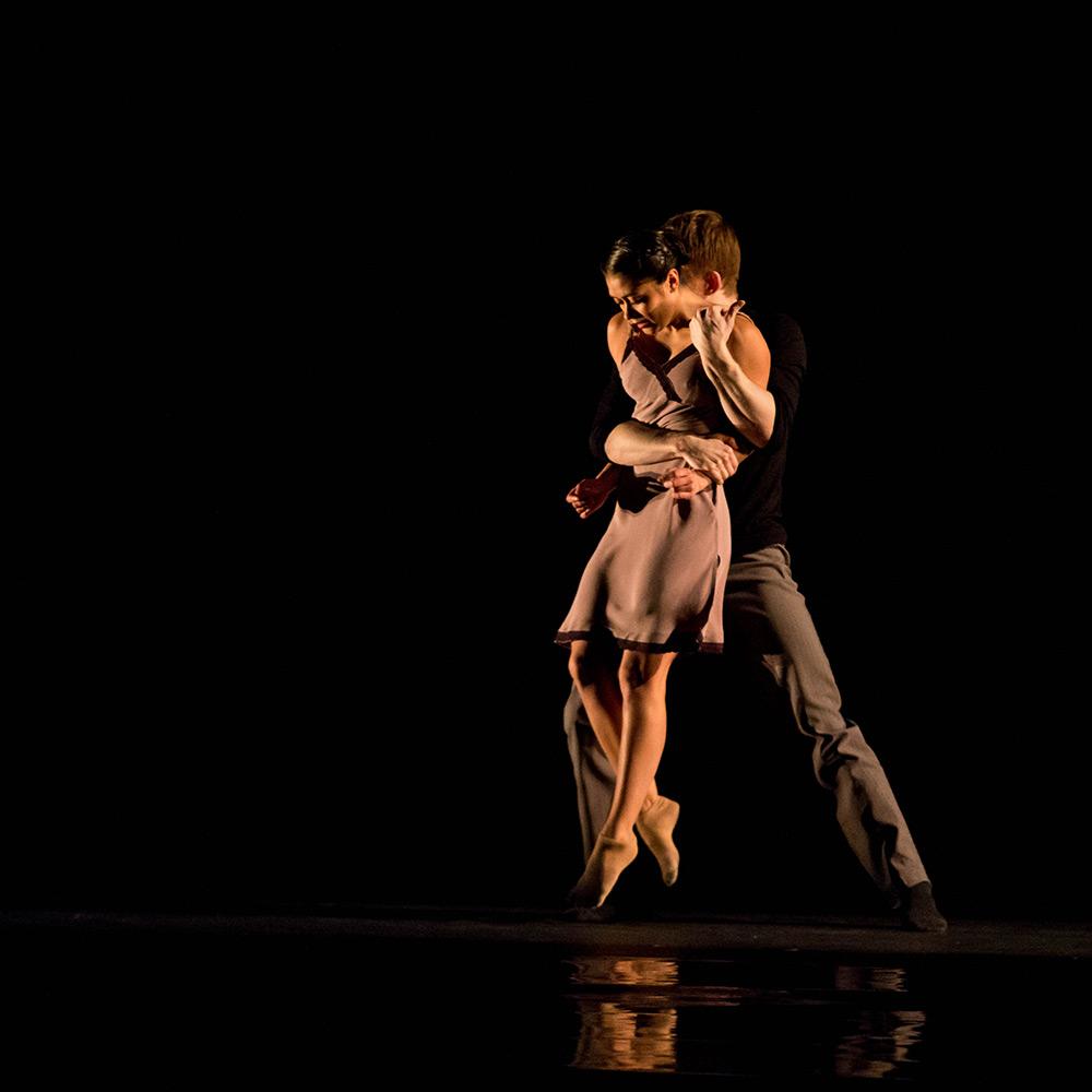 Alicia Delgadillo and Elliot Hammans in Alejandro Cerrudo's Lickety-Split.© Cheryl Mann. (Click image for larger version)