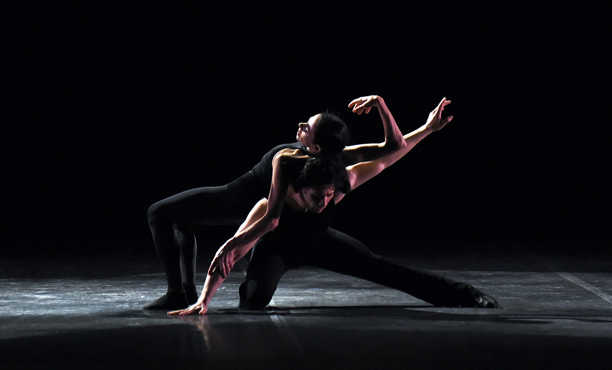 Alessandra Ferri and Herman Cornejo.© Roberto Ricci. (Click image for larger version)