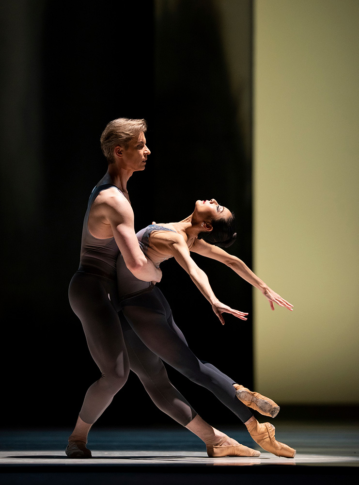 Yuan Yuan Tan and Tiit Helimets in Tomasson's <I>The Fifth Season</I>.<br />© Erik Tomasson. (Click image for larger version)