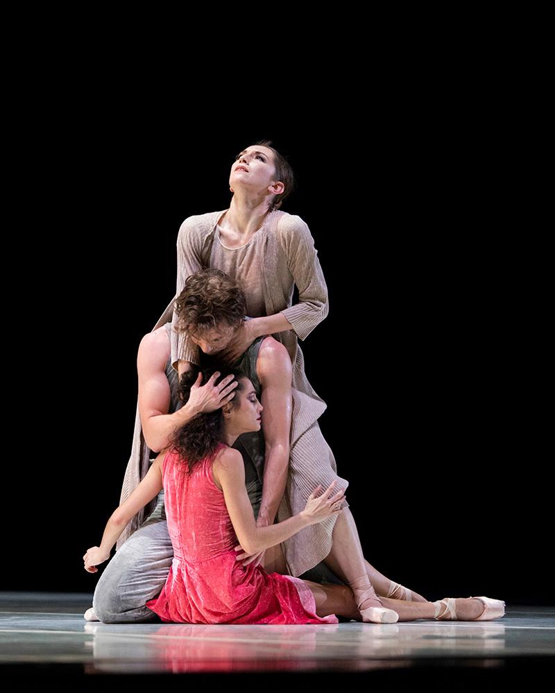 San Francisco Ballet in Marston's Snowblind.© Erik Tomasson. (Click image for larger version)