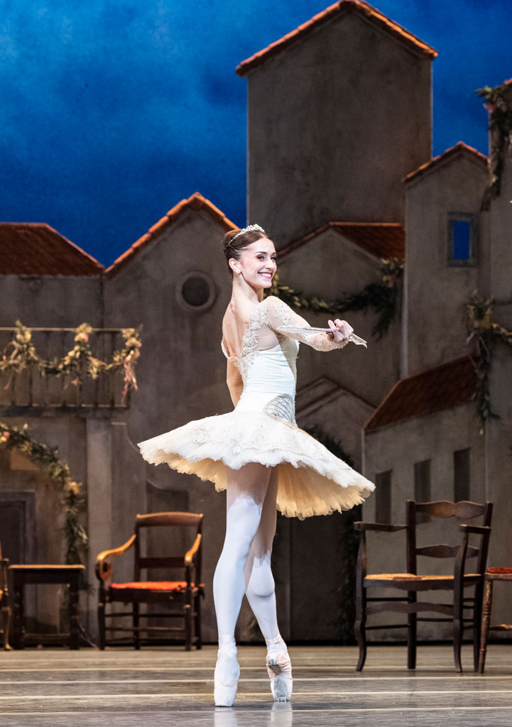 Marianela Nuñez in <I>Don Quixote</I>.<br />© Foteini Christofilopoulou, courtesy the Royal Opera House. (Click image for larger version)