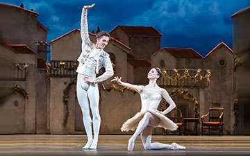 Marianela Nuñez and Vadim Muntagirov in Don Quixote.© Foteini Christofilopoulou, courtesy the Royal Opera House. (Click image for larger version)