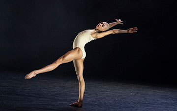 Rambert2: Salome Pressac in Killer Pig.© Foteini Christofilopoulou. (Click image for larger version)