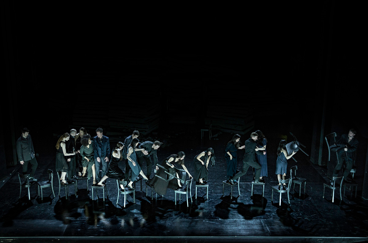 Tanztheater Wuppertal Pina Bausch in Since She.© Julian Mommert. (Click image for larger version)