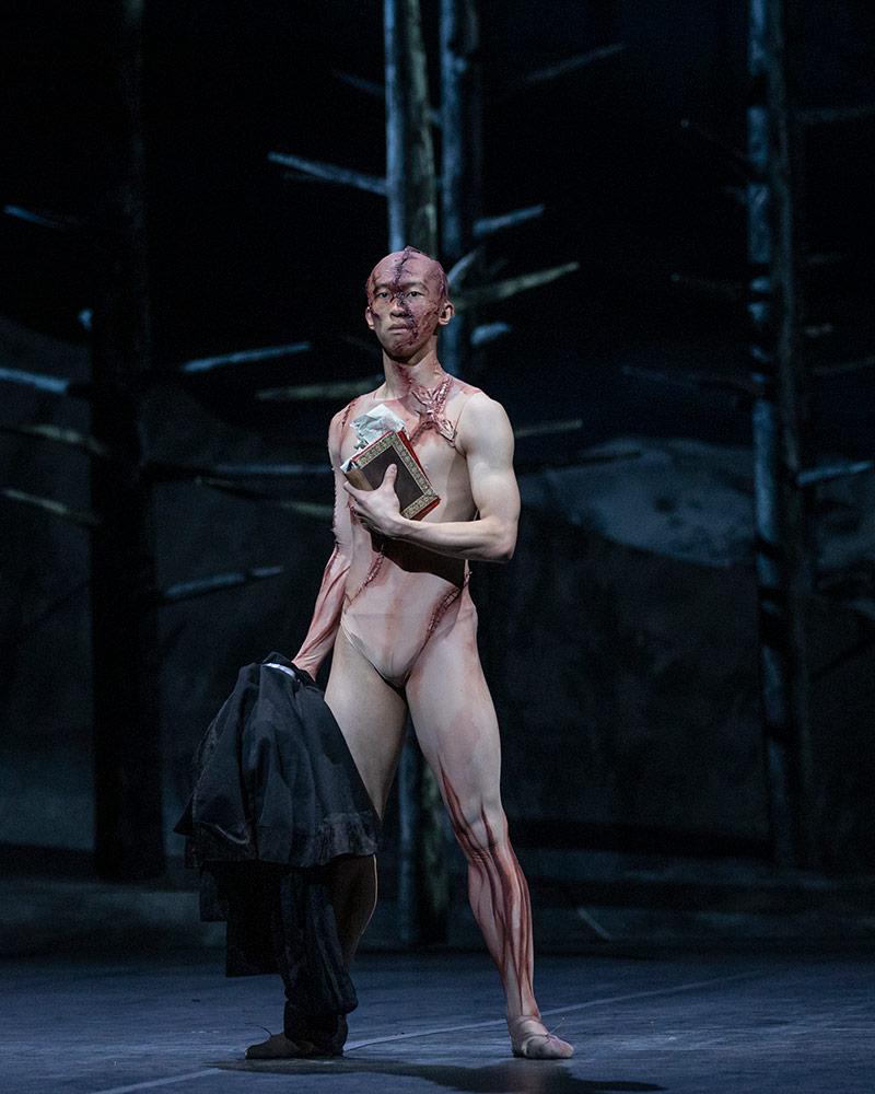 Wei Wang in Frankenstein.© Andrej Uspenski, courtesy the Royal Opera House. (Click image for larger version)