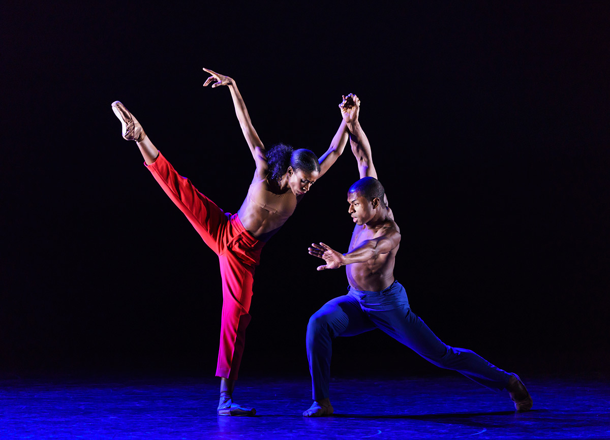 José Alves and Cira Robinson in CLICK! by Sophie Laplane.© Bill Cooper. (Click image for larger version)