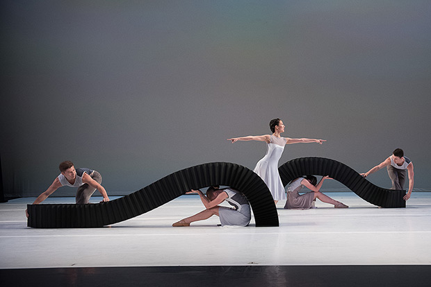 Jessica Lang Dance in <I>Lyric Pieces</I>.<br />© Christopher Duggan. (Click image for larger version)