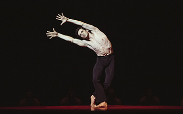 Wim Vanlessen in Boléro.© Filip Van Roe / Opera Ballet Vlaanderen. (Click image for larger version)