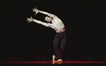 Wim Vanlessen in Boléro.© Filip Van Roe / Opera Ballet Vlaanderen. (Click image for larger version)