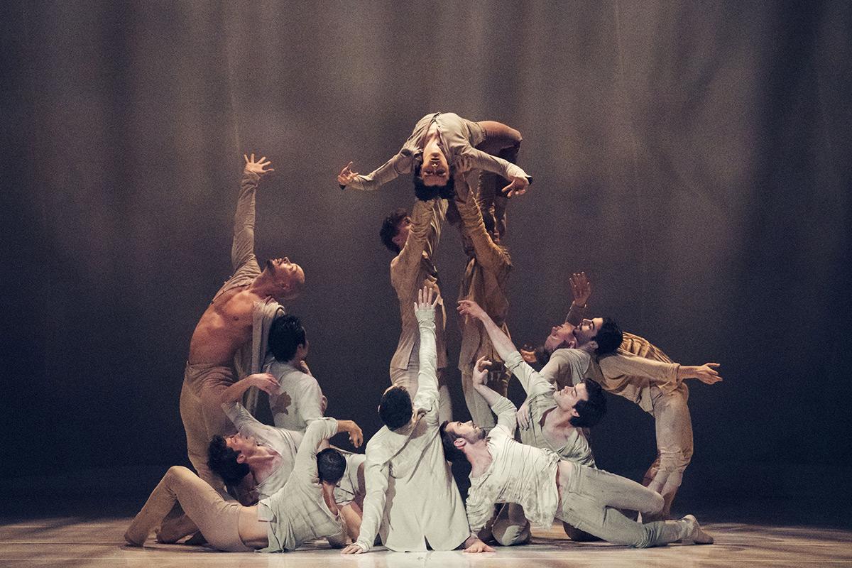Royal Ballet Flanders in Fall.© Filip Van Roe / Opera Ballet Vlaanderen. (Click image for larger version)