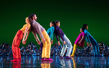 Mark Morris Dance Group in Pepperland.© Mat Hayward. (Click image for larger version)