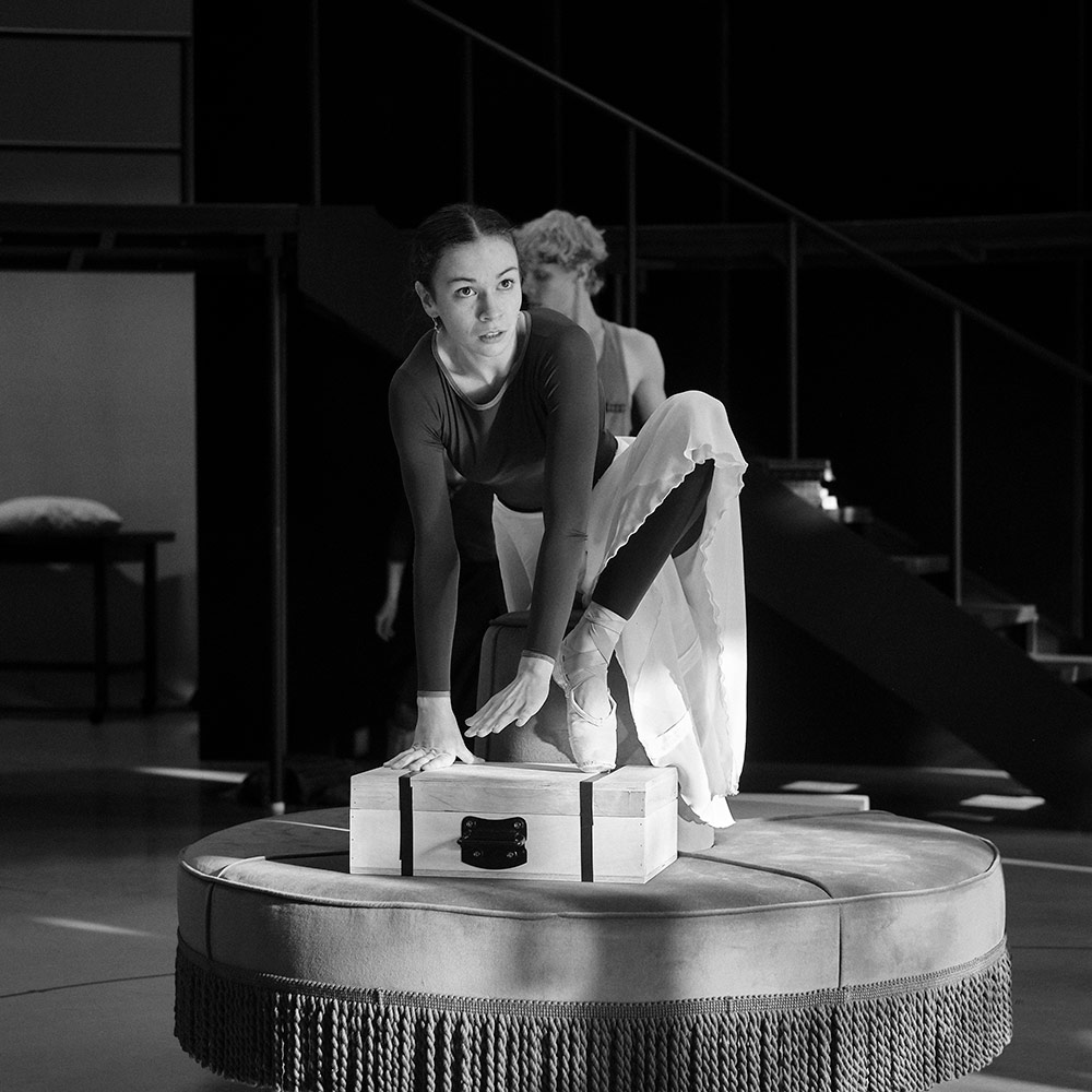 Abigail Prudames in rehearsal for Victoria.© Steffen Aarfing. (Click image for larger version)