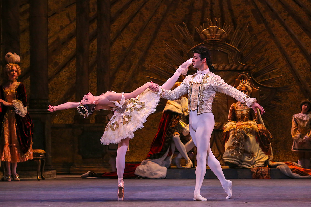 Katherine Barkman and Rolando Sarabia in the The Sleeping Beauty.© XMB Photography. (Click image for larger version)