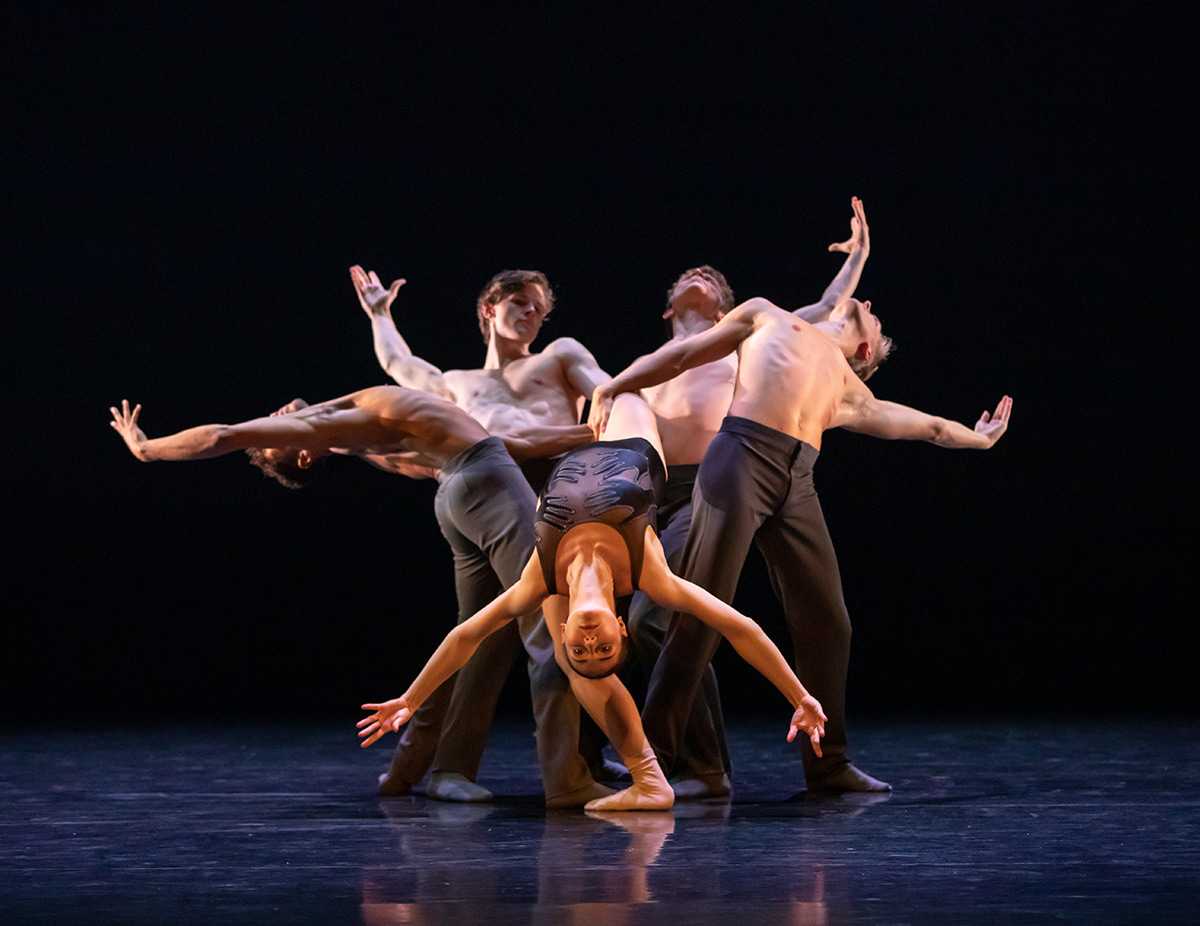 Scottish Ballet in Laplane's Dextera.© Andy Ross. (Click image for larger version)