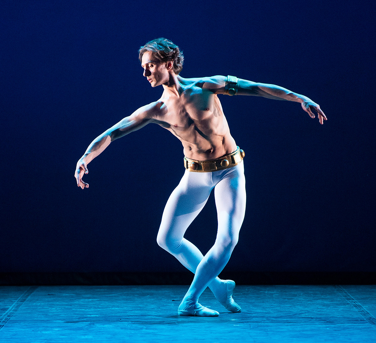 Ivan Putrov in Ashton's Dance of the Blessed Spirits.© Elliott Franks. (Click image for larger version)