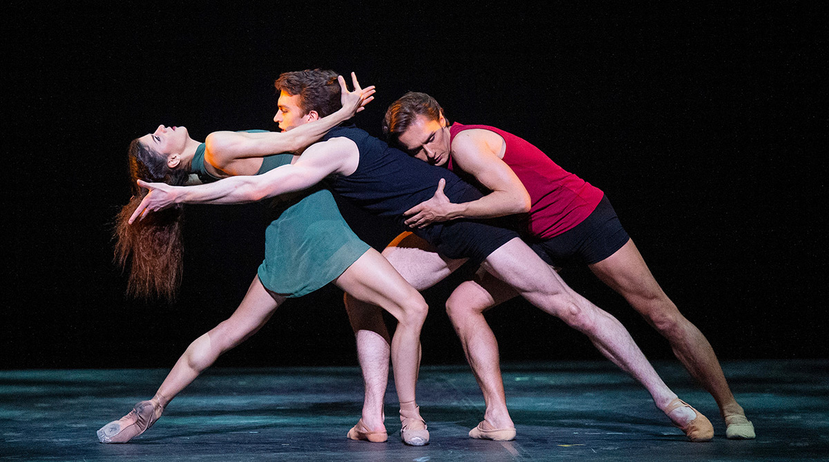 Mayara Magri, Matthew Ball and Ivan Putrov in MacMillan's Images of Love.© Elliott Franks. (Click image for larger version)