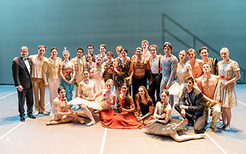 Russian Ballet Icons Gala 2019 Gala group photo.© Jack Devant. (Click image for larger version)