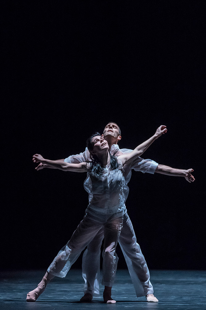 Natalia Osipova and Jonathan Goddard in Pérez's Flutter.© Johan Persson. (Click image for larger version)