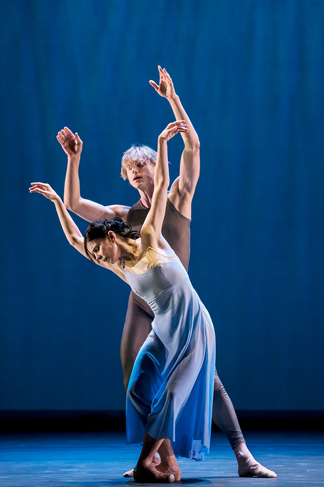 Natalia Osipova and David Hallberg in Ratmansky's Valse Triste.© Johan Persson. (Click image for larger version)