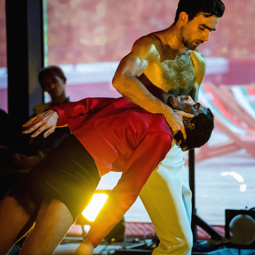 Albert Quesada & Zoltán Vakulya in OneTwoThreeOneTwo.© Pierre Khan. (Click image for larger version)