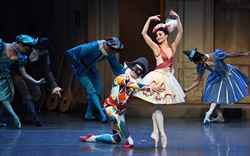 Sarah Lane and Carlos Gonzalez in Harlequinade.© Doug Gifford. (Click image for larger version)
