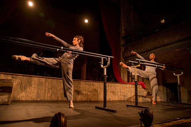 Viviana Durante and Mbulelo Ndabeni in <I>8.38</I>.<br />© David Scheinmann. (Click image for larger version)
