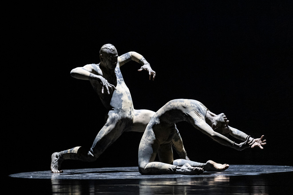Deborah Colker Dance Company in Dog Without Feathers.© Foteini Christofilopoulou. (Click image for larger version)