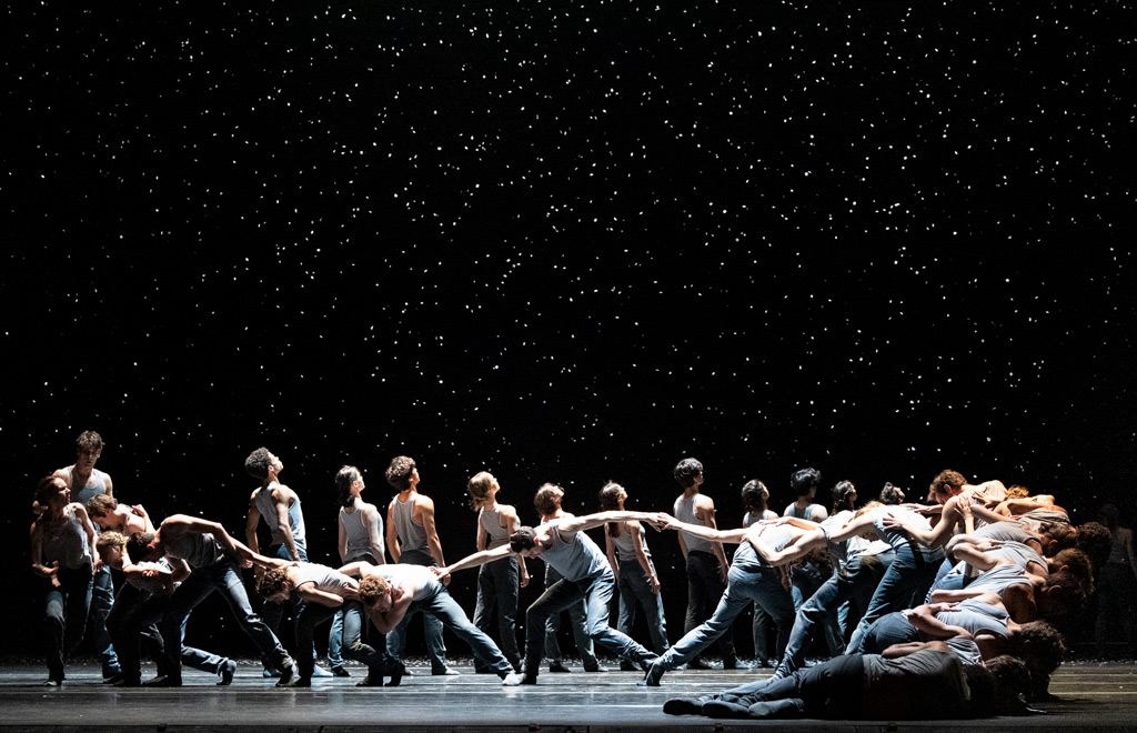 The Royal Ballet in Crystal Pite's Flight Pattern.© Foteini Christofilopoulou, courtesy the Royal Opera House. (Click image for larger version)