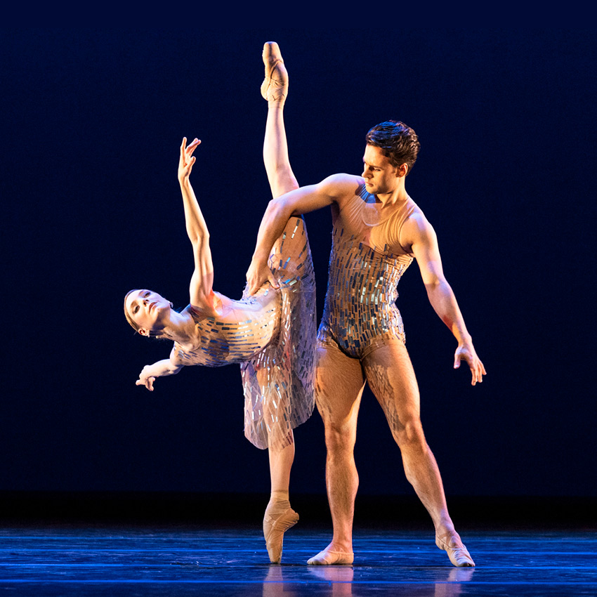 Alexander Campbell and Sarah Lamb in Wheeldon's Within the Golden Hour.© Foteini Christofilopoulou, courtesy the Royal Opera House. (Click image for larger version)