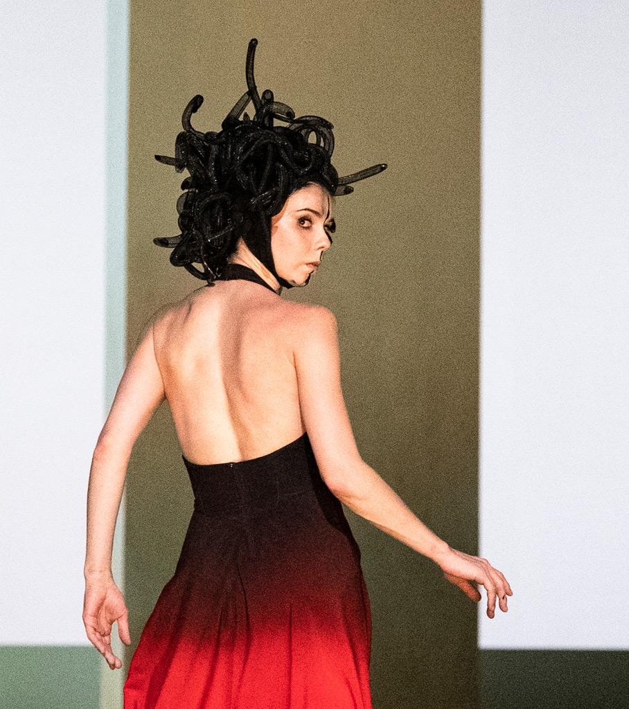 Natalia Osipova in Medusa by Sidi Larbi Cherkaoui.© Foteini Christofilopoulou, courtesy the Royal Opera House. (Click image for larger version)
