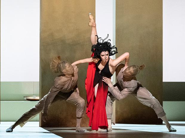 Natalia Osipova in <I>Medusa</I> by Sidi Larbi Cherkaoui.<br />© Foteini Christofilopoulou, courtesy the Royal Opera House. (Click image for larger version)
