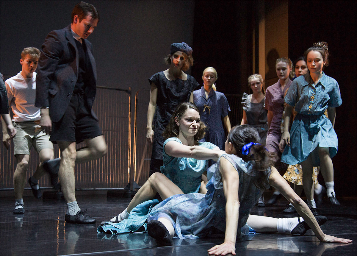 Yorke Dance Project in Kenneth MacMillan's <I>Playground</I>.<br />© Pari Naderi. (Click image for larger version)